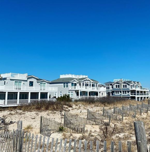 Who's Involved in Buying a Home on Long Beach Island